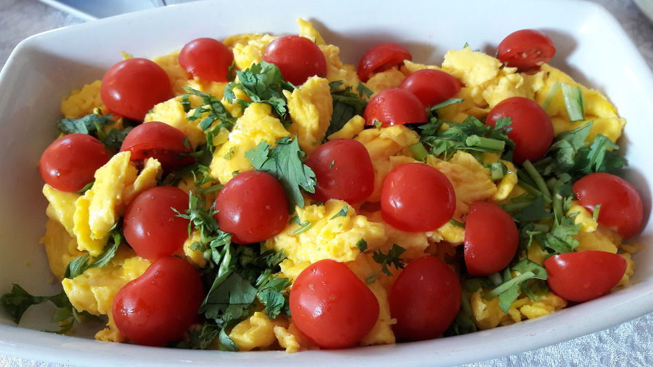 scrambled eggs Eating Healthy Homemade Food Scrambled Eggs Healthy Eating Healthy Food DeliciousFood  Time To Eat Breakfast Time Multi Colored Fruit Red Tomato Close-up Food And Drink