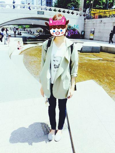 清溪川。Seoul,KOREA Chonggechon Korea Girl
