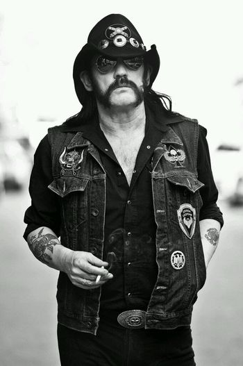 THANKS FOR YOUR GREAT VOICE LEMMY.HE LEAVES BIG STAR TO ROCK HEAVEN.IN OUR HEARTS STILL STAYING ALIVE.THANK YOU. Rock'n'Roll Rockstar Rocker Rockforever Music Is My Life
