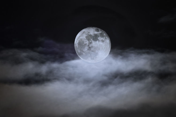 880 - 20170113 Moon Astronomy Beauty In Nature Circle Cloud - Sky Dark Full Moon Geometric Shape Low Angle View Moon Moon Surface Moonlight Nature Night No People Outdoors Planetary Moon Scenics - Nature Shape Sky Space Tranquility