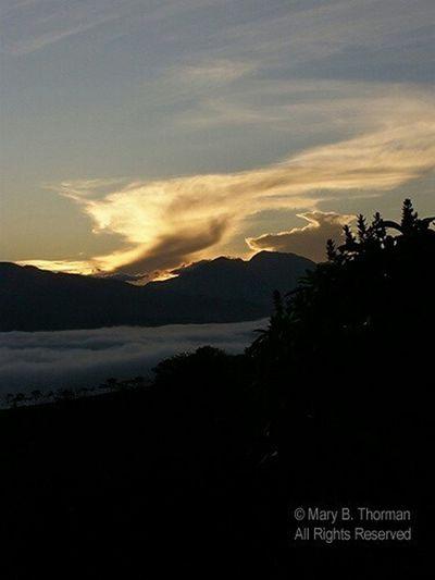 Sunrise_sunsets_aroundworld Sunrise Alba Nueva Golden Promise My Morning View MorningDe La Finca Landscape Landscape_photography Sky And Clouds Like the first morning