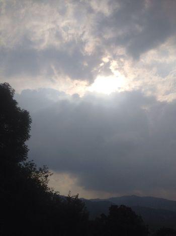 I love Pachamama!!! Está la tomé desde el balcón de mi casa en Mexico City Mexico Mexico De Mis Amores Beautiful Mexican Sky Nubes Y Cielo Nublado Skylover Mexico DF My Point Of View Cerro Ajusco Cielo Y Nubes  Clouds And Sky Variation