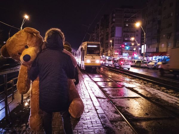 urban teddy Eyem Best Shots EyeEmNewHere Eyem Gallery Eyemtravel Featured Photo Streetphotography Urban Colors #urbanspace PhonePhotography Urbancolors Night Cityscape One Person People