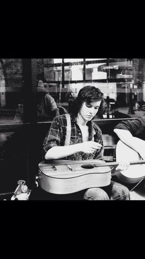 Musician Eugene Oregon Streetphotography Music Guitar Street Performer Skill