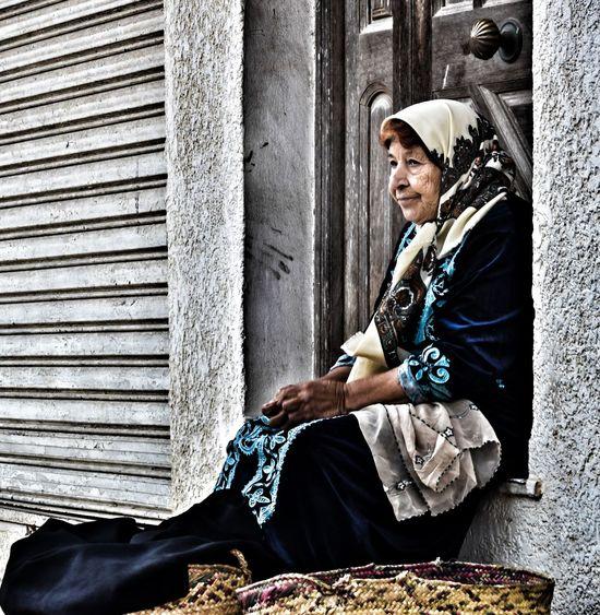 isn't she beautiful ❤One Person Outdoors People Taking Pictures Tunisia <3 Eyeem Tunisia Taking Photos Old Women Potrai Beatifull Beautiful Woman