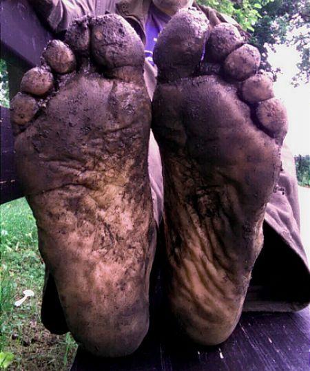 Barefoot Dirty Feet Barefeet Walking Barefoot Barefoot Hiking Male Feet Menfeet