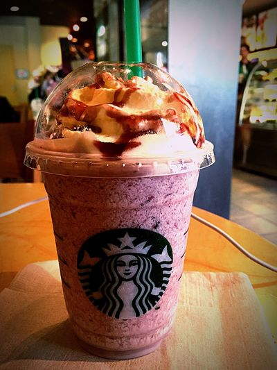 """"""" Cream Frappuccino """"& this Frappucino is half place!!!! Because nowadays Starbucks is holding campaign of 50 %off from 16:00 To 17:00 !!!!! wwwwww"""