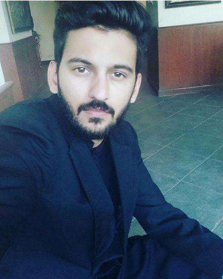 Hi! That's Me Relaxing Taking Photos Dropyoursnapchatname Beardlove Beardporn Beardedguy Sad & Lonely Naughty&Nice  Heartbroken Lahore