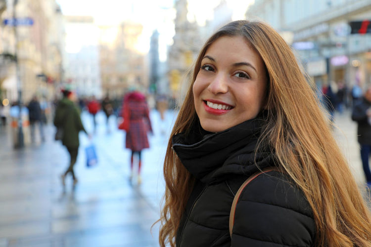Young woman in Vienna, Austria City Real People Lifestyles Vienna Austria ❤ Young Woman Hofburg Vienna Hofburg Hofburgpalace Hofburg Palace Hofburg, Vienna Vienna View  Hofburg Vienna Green Dome Girl Woman Portrait Tourist Pestsäule Winter Winter Time Wintertime City City Street Woman Outdoor Outdoors