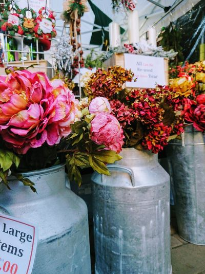 Flower stall Market Stall Pink Color Traditional Vintage England Beauty In Nature Florist Flower Flower Head Bouquet Flower Shop Flower Market Business Store Bunch Of Flowers Blossom