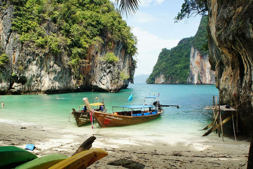 Small Beach outside Krabi and Ao Nang Beachporn Beachphotography Beach Ao Nang AoNang Krabi Travel Destinations Thailand Vacation Gettylicious Newstrekker Tropical Paradise Boat Relaxing Wanderlust Swimming Ocean Mountain View Tourism