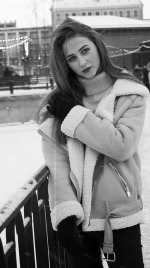 women Wikend Day Butyful Russia Saint Petersburg Walking Blackandwhite Black And White Black & White Photography Photo Photographer Photograferspb Vorobeva_foto Young Women Only Women Beautiful People One Young Woman Only One Person Beautiful Woman Women People One Woman Only Smiling