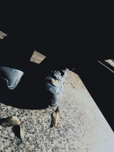 まだ…? 写真 公園 スマホ カメラ Photo 靴 ポンプ