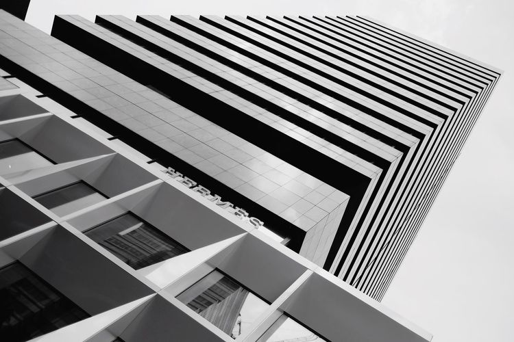 Look up... Architecture_collection Architecture Photooftheday Urban Exploration Visualsgang Black And White Triangle Light Lines Symmetry Light And Shadow ExploreSingapore Pattern, Texture, Shape And Form Streetphotography Fujifilm From Where I Stand Walk This Way 23mm EyeEm Best Shots