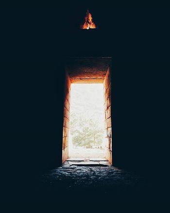 Για να αστραφτει το φως με τοση λαμπροτητα, πρεπει να συνυπαρχει με το σκοταδι... Φραγκισκος Βακων.... (The Treasury of Atreus... from the inside...) Vscogram VSCO Vscogood Vscogood Instagood Instalifo Popagandagr Athensvibe Athensvoice Photocontestgr Photo_thinkers Photooftheday Instafrapress Streetdreamsmag Streetphotography Ig_today Abandoned_greece Mysteriousgreece Greecetravelgr1_ Liveauthentic Yanggr Wu_greece Vintage_greece Whyathens Greecelover_gr greek_panorama livefolk igers_greece tv_living team_greece