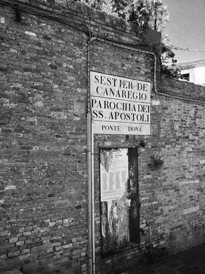 Old Street Sign in #Venice. Architecture Blackandwhite Brick Wall Built Structure Day EyeEm Gallery Italy No People Old Wall Outdoors Showcase April Stone Wall Street Street Sign Summer The Week Of Eyeem Venice