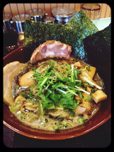 久しぶりに「ドラゴン」の煮干し醤油ラーメン(^ー゜)チャーシューはバラ肉とロース肉の2種類!やっぱりバラ肉が好きだなぁ〜! Noodles Ramen Foods Meal