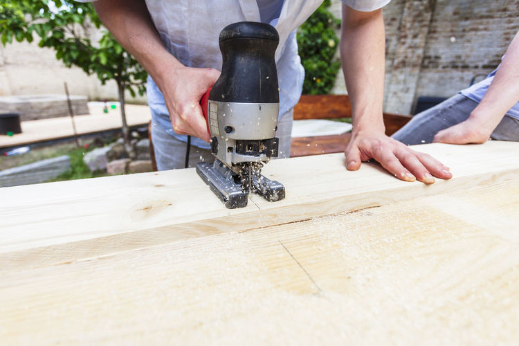 Construction Construction Site Creativity DIY Do It Yourself Home Improvement Working Building Building Site Carpenter Carpentry Construction Work Garden Guide Handmade Power Saw Precise Precision Project Real People Saw Sawing Tools Wood - Material Work Tool