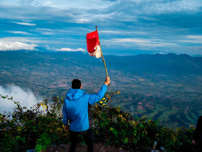 wonderful Indonesia Hiking Cikuray Mountain Mountain Range Mountain View Wallpaper Forest Asian  EyeEm Best Shots EyeEmNewHere EyeEm Nature Lover EyeEm Selects EyeEm Gallery EyeEm Eye4photography  EyeEmBestPics Eiger Pecintaalam Politics And Government Sea Men Red Flag Water Patriotism Rear View Standing Sky National Icon Symbolism Capture Tomorrow Moments Of Happiness It's About The Journey Redefining Menswear My Best Photo