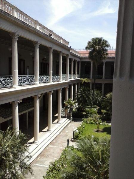 El arte está donde menos lo esperas... Architecture Architectural Column Palacio Nacional De El Salvador El Salvador El Salvador Impresionante
