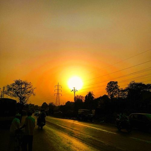 Awesome sunset....and brilliant sunscape.. Sunsetlover Sunsetphotography Photographers_of_india Streetphotography