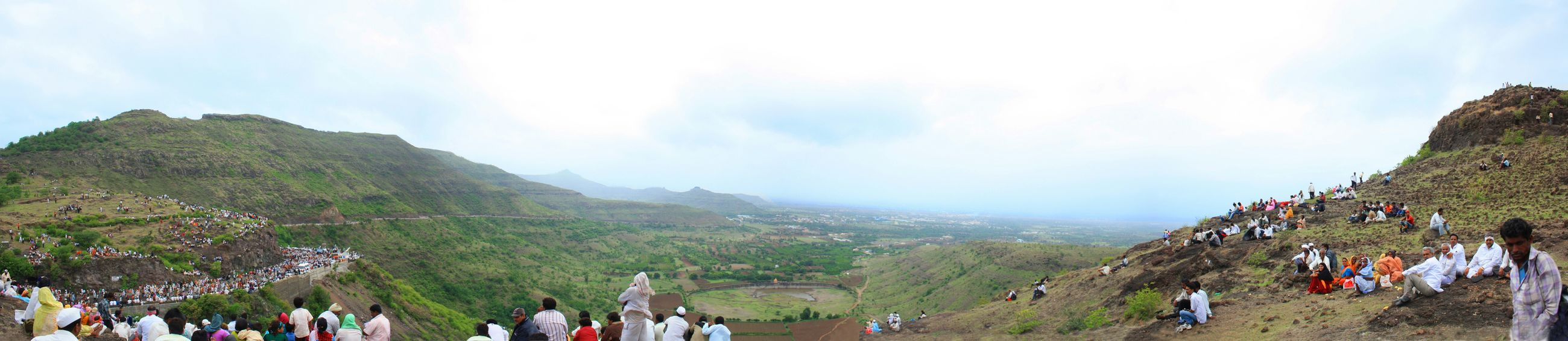 Pilgrims.... On their way. People Pilgrims Panoramic Photography Panorama Mountains Pune Mob