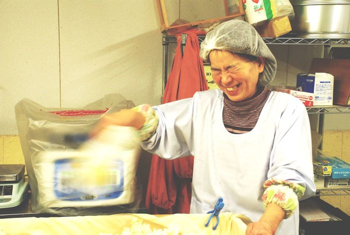 Portrait Portrait Of A Woman Smile Enjoying Life Natural Beauty おばあちゃん はにかみ 笑顔 手作り 工房