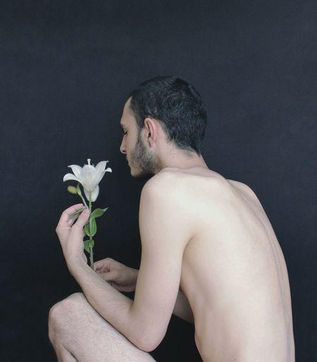 Lilium Nudity, Malebody Male Boy Body Part Photography Nude-Art Queer Aesthetics Young Men Portrait Skin Flower Bride Human Back Black Background Bouquet Portrait Studio Shot Shirtless Young Women Back Flower Head