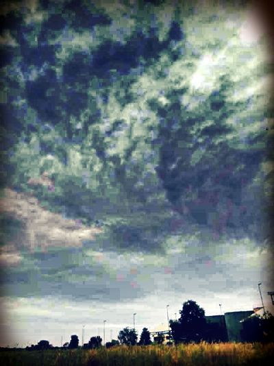 Camerahandphone Cloud And Sky On The Road