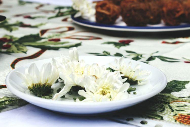 Dine Flowers Table
