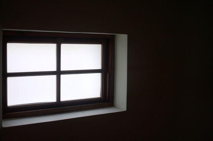 Window Indoors  No People Monochrome Blackandwhite DMC-L1 Monochrome Photography Black & White Black And White Windows View Microsoft Windows Microsoft