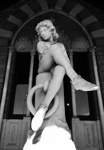 Cristoforocolombo Genovamorethanthis Genova La Superba Turism Relaxing Culture Borghipiúbelliditalia Silence Souvenir