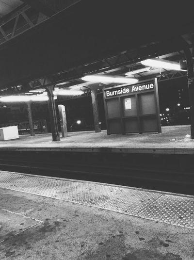 Manhattan bound. Bronx Streetphotography Streetphoto_bw Blackandwhite