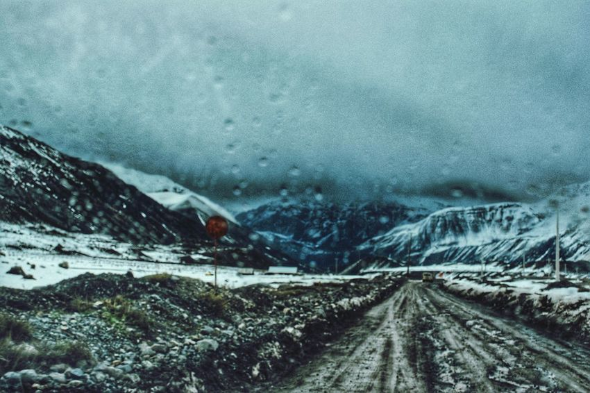 Snow Cold Temperature Winter Road Nature Mountain Outdoors No People Beauty In Nature The Street Photographer - 2017 EyeEm Awards The Great Outdoors - 2017 EyeEm Awards Vscocam Photographer Photography