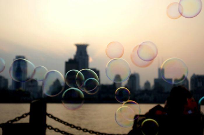 Bubbles at The Bund Bubble Bubble Wand Sunset Shanghai Skyline Shanghai The Bund Shanghai EyeEmNewHere BYOPaper! The Great Outdoors - 2017 EyeEm Awards Visual Creativity
