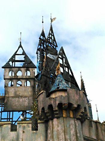 Arts Culture And Entertainment Dismaland® Inglaterra Leisure Activity United Kingdom Dismaland Banksy Reino Unido England🇬🇧 Banksyart Built Structure Architecture Travel Building Exterior Travel Destinations Sky Castle Ruin Castle Disney Disney Castle Rooftop