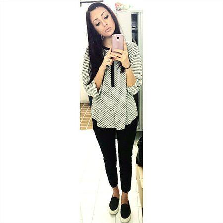 Una commessa alle prese con i selfie 😄📷 Work LastDay Instaselfie Selfie Andrew Instagram Me Tagsforlikes Sonodolce Sweet Likes Instalikes L4l F4F Photo S4 Solocosebelle Commessa Domenica Marzo