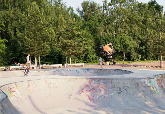 Brave young man Bmx  Bycicle Day Extrem Sports Half Pipe One Person Outdoors People Real People Tree