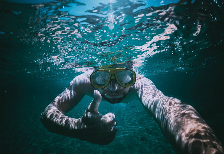Water Sea Underwater One Person Aquatic Sport Leisure Activity UnderSea Sport Swimming Lifestyles Adventure Real People Nature Front View Snorkeling Swimming Goggles Young Adult Adult Eyewear Outdoors Underwater Diving Mountain Ok Passion Greece