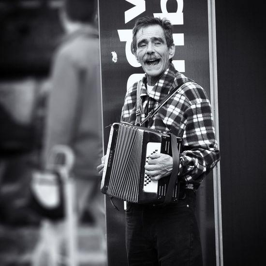 Blackandwhite Streetphotography Streetportrait Music