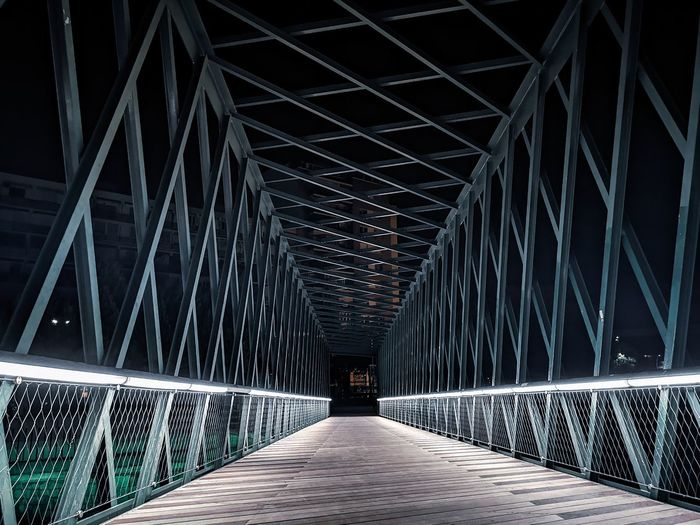 LightBright Light And Shadow Lights HUAWEI Photo Award: After Dark Huaweiphotography Huaweip20pro EyeEm Best Shots EyeEm Gallery Eyeem Market EyeEm EyeEm Best Shots PhonePhotography Huawei Photography Madrid Photographer Photo Edit Lightroom Light Footbridge Bridge - Man Made Structure Architecture Built Structure Covered Bridge vanishing point The Way Forward Passageway Diminishing Perspective Arch Bridge Empty Road Bridge Suspension Bridge