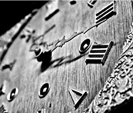 Watch The Clock EyeEm Best Shots - Black + White Wall Clock Clockporn Vintage Photo EE_Daily: Black And White Black And White Collection  Vintage Clock Minimalist Photography