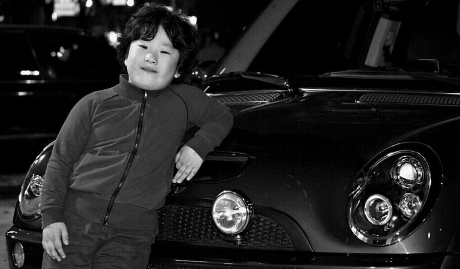 Son&mini Son's Dream Car BW Portrait Mini Cooper S @korea seoul jayang-dong @Olympus E-PL2 / Leica 45mm f2.8 Macro