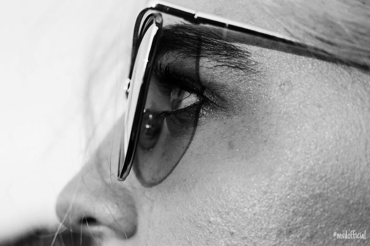 Glases Glasess Sunglasses Glasses Blackandwhite Makeup Close-up Close Up Beautiful Face Faces Of EyeEm Human Eye Human Body Part Eyesight Eyelash One Person Close-up Portrait Human Face Sensory Perception People Adult Young Adult Eyebrow Outdoors Day Eyeball