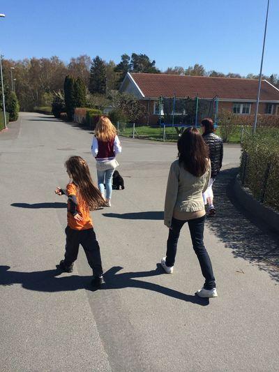 På väg till lekparken