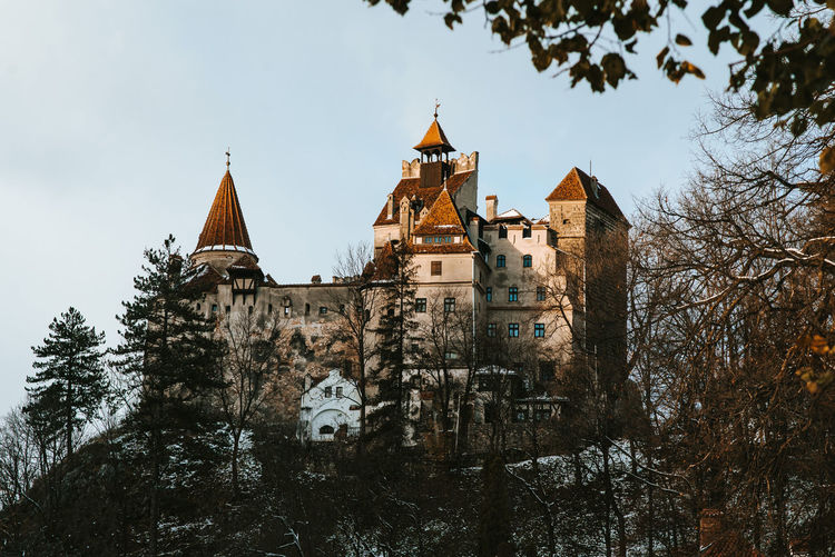 Dracula's Castle Dracula Dracula Castle Hikingadventures Summer Trip Castle Of Bran Architecture History Travel Destinations Outdoors Mountains In Sunset Pele Photography Transylvania Castle Bran Castle Autumn Sunset Light Sunset EyeEmNewHere