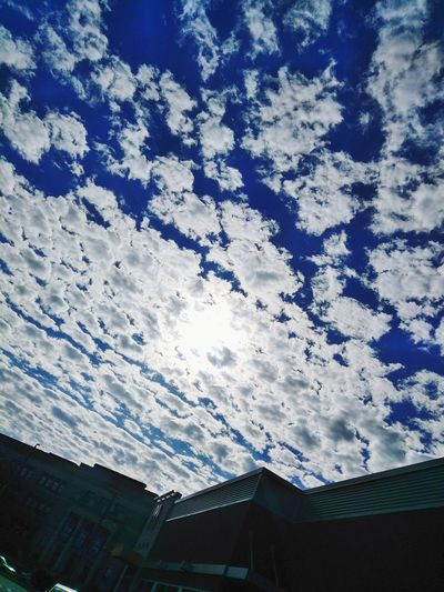 Blue Sky And Clouds Amazingview Philadelphia Life Is Beautiful Heavenly Sky Beauty In Nature Close-up MBA 🏫