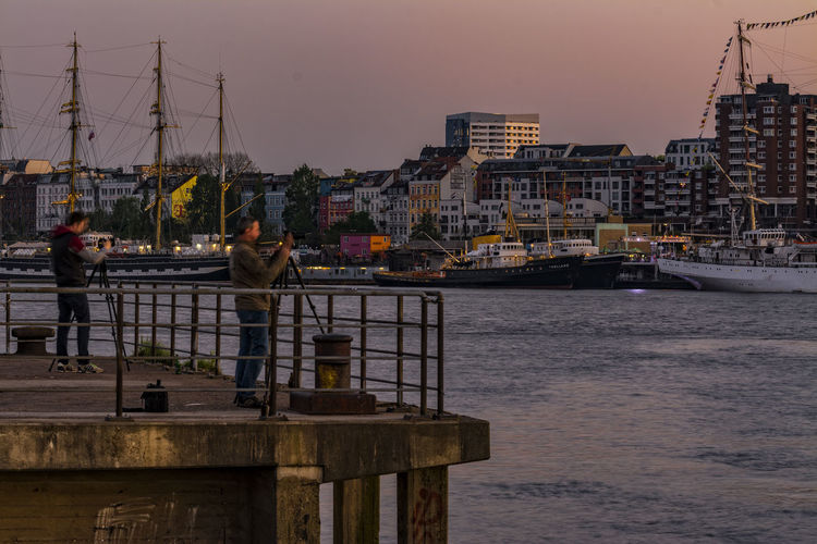 Photographer Before Sunset Boats And Moorings City City Life Day Elbe Hamburg Hamburg Harbour Morning Light Morning Sky Outdoors Photographer River Sailing Ships Ships Sky Water