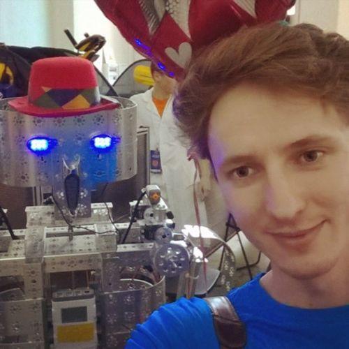 селфи с C-3PO Transformers балроботов балроботов2015 Москва ВДНХ звездныевойны Starwars Robot роботы