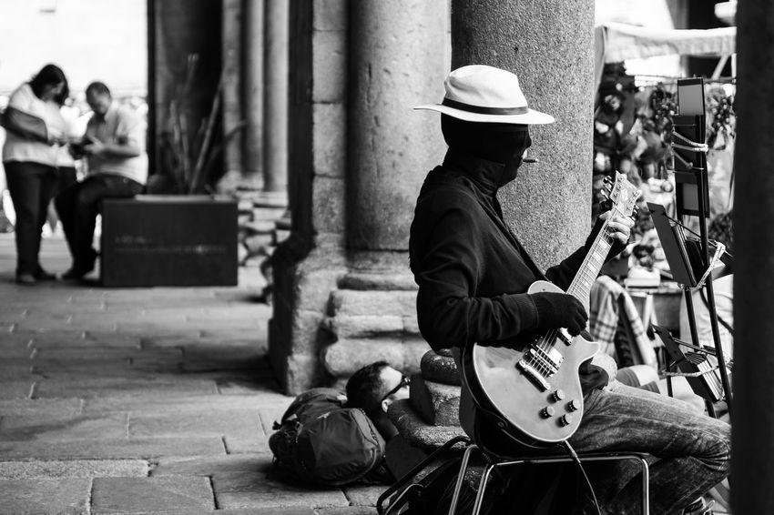 musician Blackandwhite Hikinggalicia Model Monochrome People People Photography People Watching Street Streetphotography Streettogs Urbanphotography